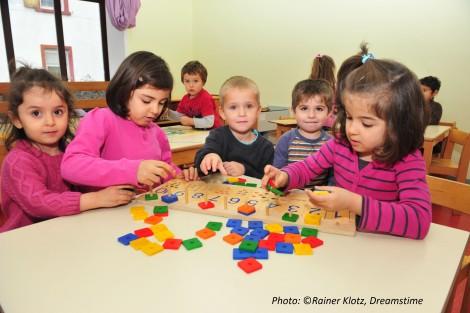 Refugee children Frankfurt, Rainer Klotz, Dreamstime_Credits