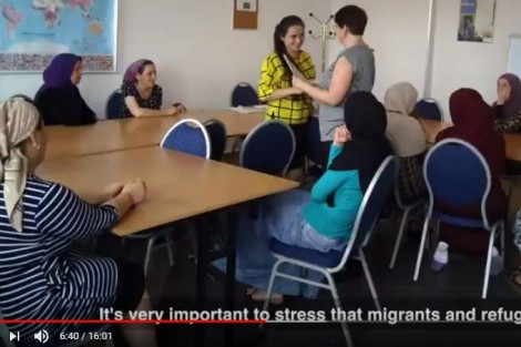 Video migrant women